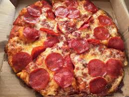 photo of round table pizza kailua hi united states small pepperoni