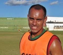 Resultado de imagem para jogador de futebol Sylvestre, ex-atacante do Olaria,