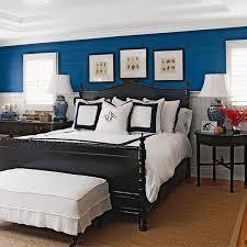 make a nautical bedroom
