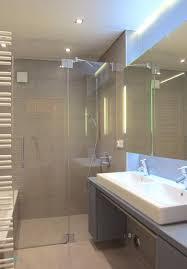 Badezimmer Fliesen Mit Designer Spiegel Bad Luxus Kleines Bad Grose