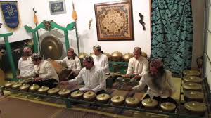 Musik senandung jolo berasal dari jambi khususnya di dusun tanjung. Jenis Seni Musik Tradisional Asli Indonesia Yang Terkenal Tegaraya Com