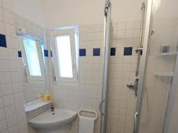 Immobilien Tür Zu Und Fenster Auf Nach Dem Duschen Richtig Lüften
