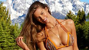 plus size models sports illustrated robyn lawley is the real first plus size model in sports