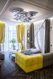 Оконная фурнитура в комнате на Моховой. Это прижимные шпингалеты ...