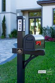 Solar Illuminated Black Single Post Mailbox Kit