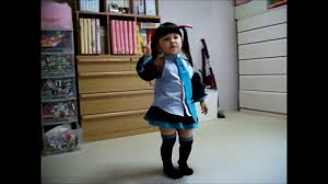 Japanese girl pads upskirt