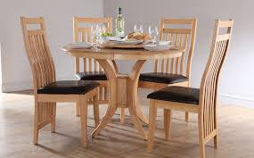 large round dining table seats 4