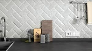 how to choose the best wall tiles