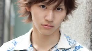 ミディアムウルフショートメンズ男性髪型カタログヘアスタイル 40代