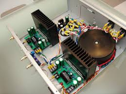 audio power amplifier that can deliver 300w into my 4 ohm diy speaker with low distortion i want it to produce deep tight and punchy bass while