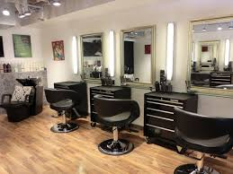 Simple Beauty Parlour Design Small Beauty Salon Interior Design Bing Images Salon
