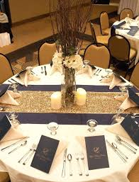 round table centerpieces i like the two toned table runners the centerpiece is too tall table