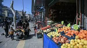 الاعتداء على محال تجارية للاجئين سوريين في تركيا بعد شجار دام - فرانس 24