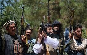Taliban, İran sınırında gümrük kapısını ele...