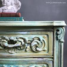 painting wood furniture for