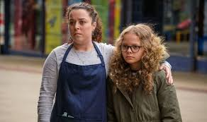 Have you heard of my mum tracy beaker?… everyone knows her, announces narrator jess. Oopvqnb4avzulm