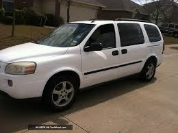 2007 Chevrolet Uplander - Information and photos - ZombieDrive
