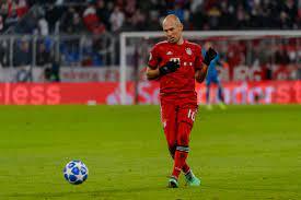 Arjen Robben returns to Bayern Munich first team training