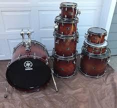 yamaha live custom. yamaha live custom (oak) 8 piece shell pack ! hardly played ..mint condition