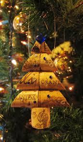15 Creative DIY Wine Cork Christmas Decorations