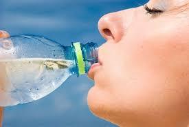 Resultado de imagem para água hidratação