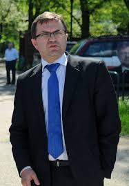Zbigniew girzyński jest jednym z posłów, który odszedł z klubu pis. Zbigniew Girzynski W Gorsecie I Pod Opieka Zony Wraca Do Zdrowia Po Wypadku Nowosci Dziennik Torunski