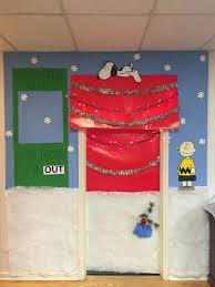 christmas office door decorating. Christmas Office Door Decorating Competition. Snoopy