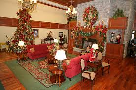 Pigeon Forge, Tenn.: There's a Christmas Place for Us - Holiday ...
