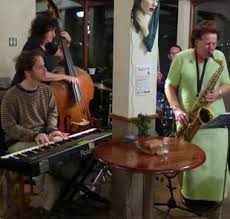 Reunion Band (Ivy Benson musicians) · Blow The Fuse