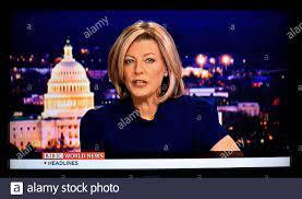 Ein TV-Screenshot von BBC World News America Anchor und Programmmoderatorin  Laura Trevelyan Stockfotografie - Alamy