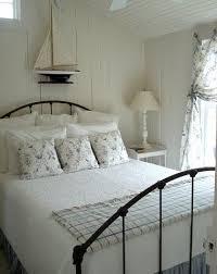 rustic beach house bedroom decorating