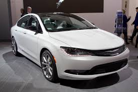 New Chrysler 200 Live Shots from Detroit, Plus Consumer Reports ...