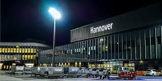 Airport Beleuchtung Erneuerung Schriftzüge