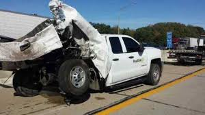 1 dead, 1 hurt in crash on I-70 in Indy
