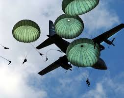 the insane story of 2 delta force jumpers colliding 24 000 feet in 82nd airborne parachute jump