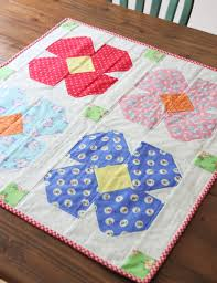 free floret table topper pattern and first blush fabric hop cluck enchanting free table topper quilt