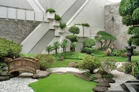 ... Refreshing little garden borrowing heavily from the Japanese motif