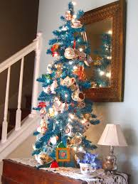 6 Cat Proof Christmas Trees To Try Out During The HolidaysCat Themed Christmas Tree