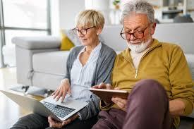 Zatrudnienie emeryta lub rencisty w kontekście składek ZUS