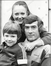 Tottenham Hotspur Footballer Goalkeeper Pat Jennings Wife ...