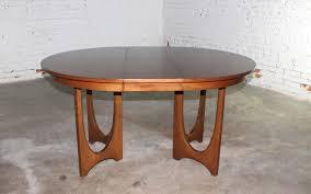 round walnut dining table. Mid-Century Modern Broyhill Brasilia 6140-45 Round Pedestal Base Dining Table Walnut