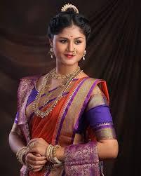 maharashtrian peshwai wedding makeup and hairstyle pune mumbai india tejaswini