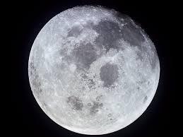 Resultado de imagem para agua na lua