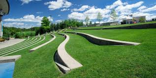 photo of amphitheater hill at frederik meijer gardens