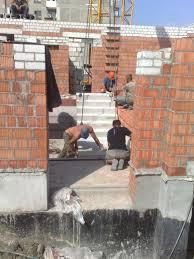 Описание трех и более технологических строительных процессов  На третьей заключительной стадии которую можно называть отделочным циклом выполняют в основном штукатурные работы окраску стен потолков