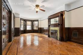 2 bedroom apartments for rent in crown heights brooklyn. garden apartment with details, office space in crown heights brownstone asks $1,975 a month 2 bedroom apartments for rent brooklyn s