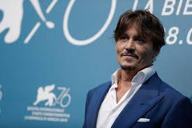 Johnny Depp a C'è posta per te da Maria De Filippi: sarà l ...
