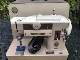 Singer Sewing Machine 401a
