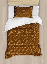 set horse shoe motif vintage pattern with star symbol barn lucky charm design decorative 2 piece bedding set with 1 pillow sham brown pale yellow