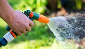 info 1 how many gallons per minute does a garden hose use